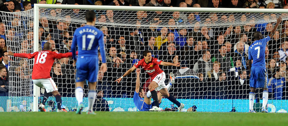 28/10/2012 - Barclays Premier League Football - 2012-2013 - Chelsea v Manchester United - Javier Hernandez scores the winner for Man United. - Photo: Charlie Crowhurst / Offside.