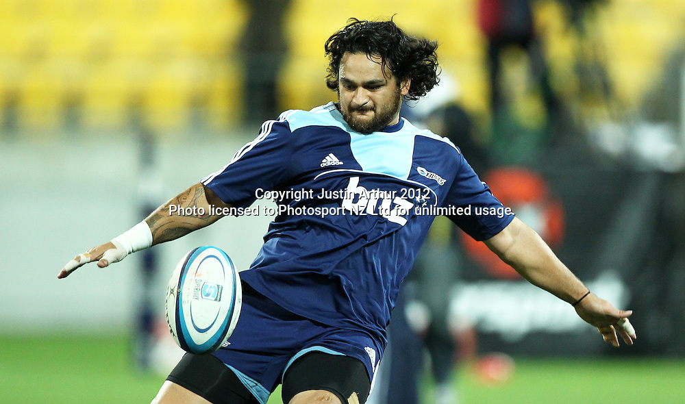 Blues' Piri Weepu during warm up. 2012 Super Rugby season, Hurricanes v Blues at Westpac Stadium, Wellington, New Zealand on Friday 4 May 2012. Photo: Justin Arthur / photosport.co.nz