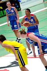 20-05-2006 BASKETBAL: FINALE PLAYOFF BINNENLAND - YELLOW BIKE: BARENDRECHT<br /> Yellow Bike verslaat Binnenland in eigenhuis en neemt nu een 3-1 voorsprong in de serie best of seven / Triola Jackson<br /> ©2006-WWW.FOTOHOOGENDOORN.NL