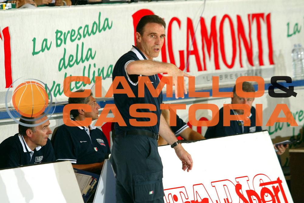 DESCRIZIONE : Bormio Trofeo Internazionale Diego Gianatti Canada Italia <br />GIOCATORE : Recalcati <br />SQUADRA : Italia <br />EVENTO : Bormio Trofeo Internazionale Diego Gianatti Canada Italia <br />GARA : Canada Italia<br />DATA : 21/07/2006 <br />CATEGORIA :   <br />SPORT : Pallacanestro <br />AUTORE : Agenzia Ciamillo-Castoria/M.Marchi