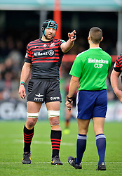 Steve Borthwick (Saracens) has a word with the referee - Photo mandatory by-line: Patrick Khachfe/JMP - Tel: Mobile: 07966 386802 18/01/2014 - SPORT - RUGBY UNION - Allianz Park, London - Saracens v Connacht Rugby - Heineken Cup.