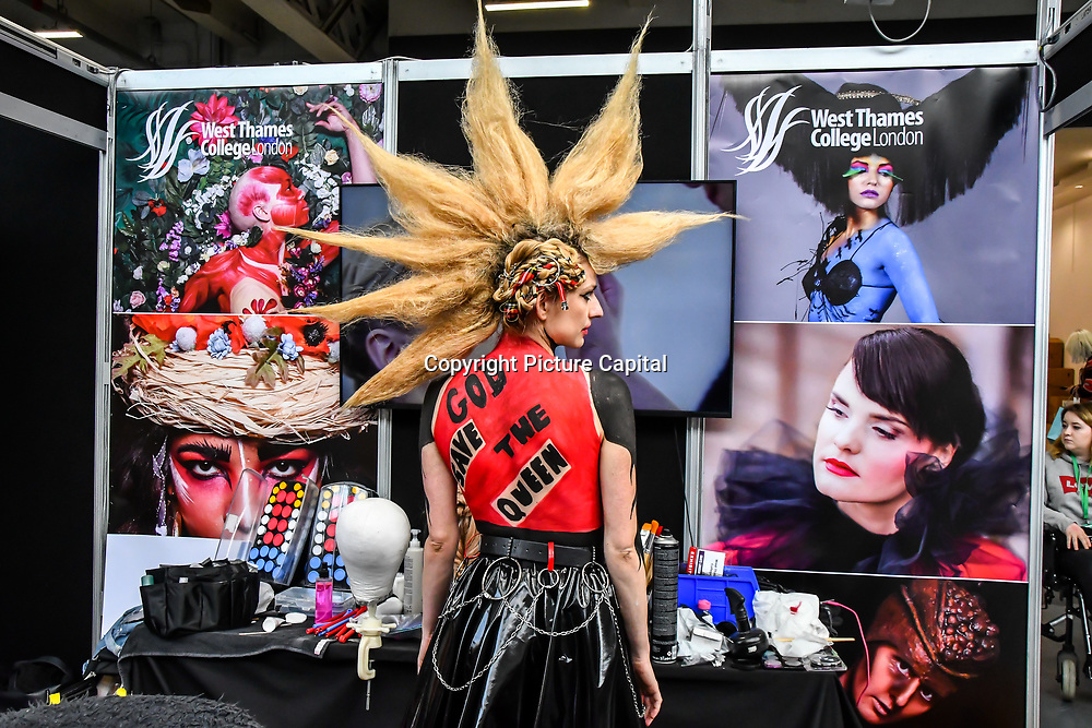 West Thames College London - artist Charlotte Zammit and model Nora Orthofer demo at IMATS London on 18 May 2019,  London, UK.