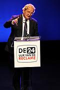 """Bill Clinton opent met een speech het festival 'De 24 uur van de Reclame' in de Amsterdam Convention Factory.<br /> <br /> Bill Clinton opens the festival with a speech """"The 24 hours of Advertising 'in the Amsterdam Convention Factory.<br /> <br /> Op de foto/ On the photo: <br />  Eberhard van der Laan , burgemeester van Amsterdam ( Major of Amsterdam )"""