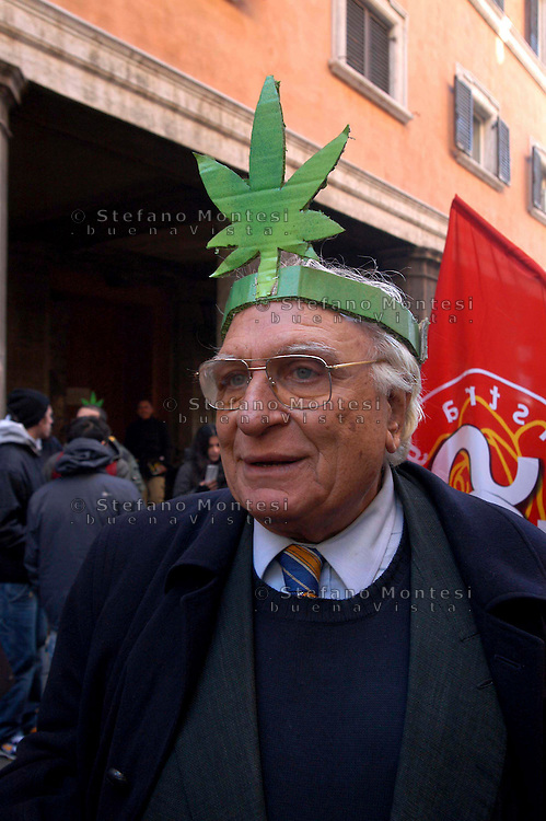 Leader of the Italian Radical party Marco Pannella during demonstration against the DDL Fini on the drug  on March 19, 2008 in Rome, Italy.