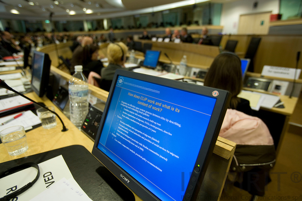 BRUSSELS - BELGIUM - 07 APRIL 2008 --  EUROPEAN CITIES INTEGRATING MIGRANTS -- FROM AMSTERDAM TO ZAGREB --A slide shown on a computer screen from the European Foundation for the Improvement of Living and Working Conditions. Photo: Erik Luntang