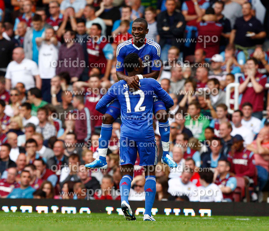11.09.2010, Boleyn Ground Upton Park, London, ENG, PL, West Ham United vs FC Chelsea, im Bild Chelsea's Ivory Coast footballer Salomon Kalou   celebrates his goal. Barclays Premier League West Ham United v Chelsea. EXPA Pictures © 2010, PhotoCredit: EXPA/ IPS/ Kieran Galvin +++++ ATTENTION - OUT OF ENGLAND/UK +++++ / SPORTIDA PHOTO AGENCY