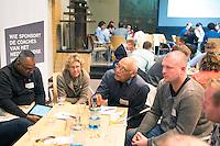 SOESTERBERG -  deelnemers met in het midden Franklin Dikmoet en links Siegfried Aikman en  Gabrielle van Doorn tijdens het Technisch Kader congres 2015 olv Topcoach Koen Gonnissen. COPYRIGHT KOEN SUYK