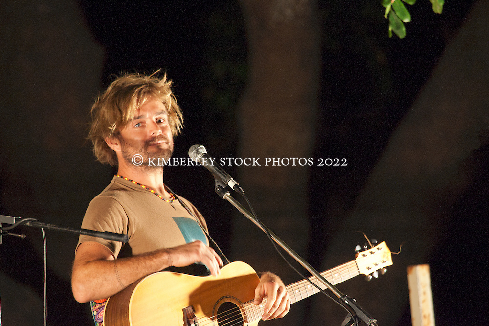 Singer Xavier Rudd entertains the crowd  at the anti-gas rally held on Broome's Town Beach oval on Saturday 16th October 2010.