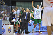DESCRIZIONE : Milano Lega A 2011-12 EA7 Emporio Armani Milano Montepaschi Siena Finale scudetto gara 4<br /> GIOCATORE : Esultanza Team<br /> CATEGORIA : Esultanza<br /> SQUADRA : Montepaschi Siena<br /> EVENTO : Campionato Lega A 2011-2012 Finale scudetto gara 4<br /> GARA : EA7 Emporio Armani Milano Montepaschi Siena<br /> DATA : 15/06/2012<br /> SPORT : Pallacanestro <br /> AUTORE : Agenzia Ciamillo-Castoria/V.Tasco<br /> Galleria : Lega Basket A 2011-2012  <br /> Fotonotizia : Milano Lega A 2011-12 EA7 Emporio Armani Milano Montepaschi Siena Finale scudetto gara 4<br /> Predefinita :