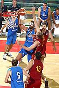 DESCRIZIONE : Firenze I&deg; Torneo Nelson Mandela Forum Italia Macedonia<br /> GIOCATORE : Marco Belinelli<br /> SQUADRA : Nazionale Italiana Uomini <br /> EVENTO : I&deg; Torneo Nelson Mandela Forum Italia Macedonia<br /> GARA : Italia Macedonia<br /> DATA : 16/07/2010 <br /> CATEGORIA : tiro penetrazione<br /> SPORT : Pallacanestro <br /> AUTORE : Agenzia Ciamillo-Castoria/GiulioCiamillo<br /> Galleria : Fip Nazionali 2010