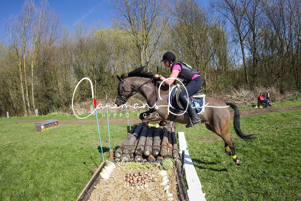 De Sterck Sofie (BEL) - Mageno<br /> Nationale Pony eventing Affligem 2013<br /> &copy; Dirk Caremans