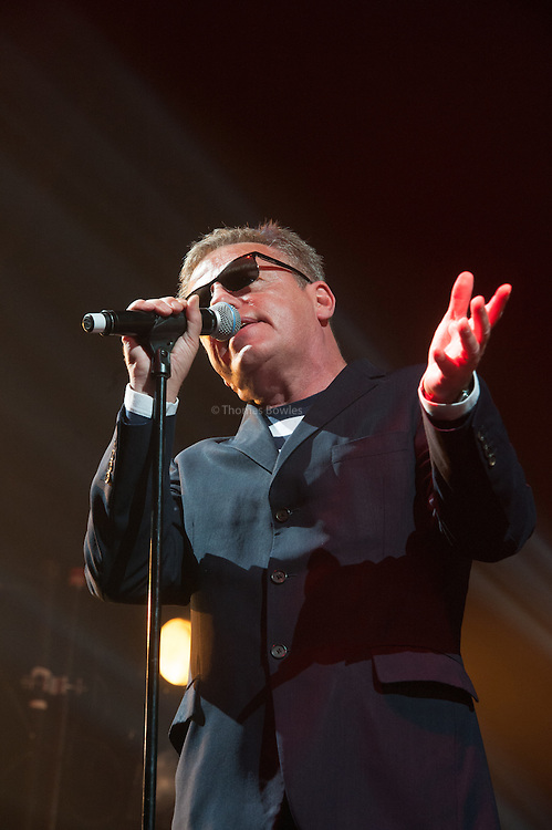 Suggs singing with Madness at Alexandra Palace/