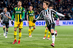 (L-R) Tyronne Ebuehi of ADO Den Haag, Reuven Niemeijer of Heracles Almelo during the Dutch Eredivisie match between Heracles Almelo and ADO Den Haag at Polman stadium on February 03, 2018 in Almelo, The Netherlands