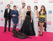 2018, Oktober 11. Kinepolis, Den Bosch. Premiere van de film Zwaar Verliefd. Op de foto: de schrijfster, regisseur en cast