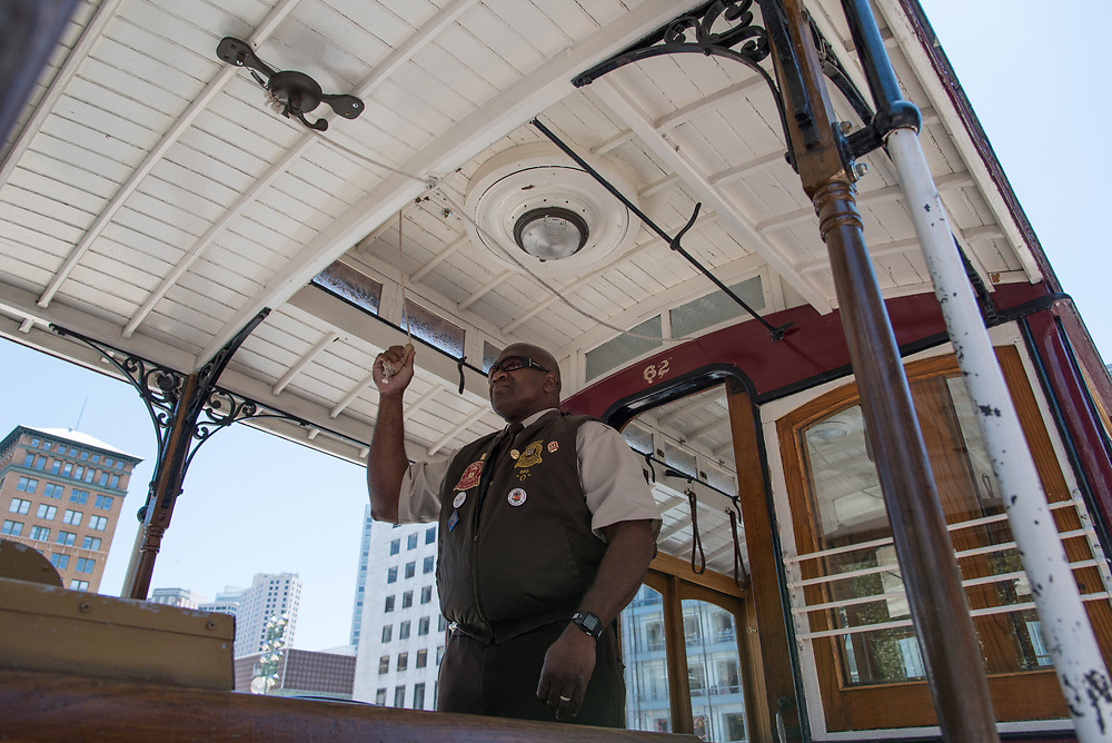 Leonard Oats Performing at the 54th Annual Cable Car Bell Ringing Contest | July 13, 2017