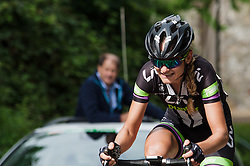 Claudia Lichtenberg tries to go solo with one lap remaining.