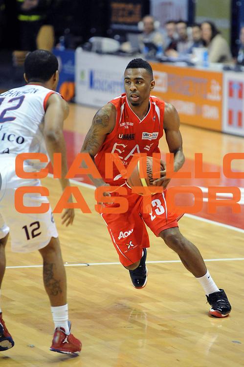 DESCRIZIONE : Biella Lega A 2012-13 Angelico Biella EA7 Emporio Armani Milano<br /> GIOCATORE : Keith Langford<br /> CATEGORIA : Palleggio<br /> SQUADRA : EA7 Emporio Armani Milano<br /> EVENTO : Campionato Lega A 2012-2013 <br /> GARA : Angelico Biella EA7 Emporio Armani Milano<br /> DATA : 30/12/2012<br /> SPORT : Pallacanestro <br /> AUTORE : Agenzia Ciamillo-Castoria/M.Ceretti<br /> Galleria : Lega Basket A 2012-2013  <br /> Fotonotizia : Biella Lega A 2012-13 Angelico Biella EA7 Emporio Armani Milano<br /> Predefinita :