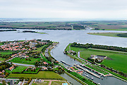 Nederland, Zeeland, Walcheren, 19-10-2014; Veere met Veerse Meer. Rechts Kanaal door Walcheren, links de Veersche Krrek .<br /> <br /> luchtfoto (toeslag op standard tarieven);<br /> aerial photo (additional fee required);<br /> copyright foto/photo Siebe Swart