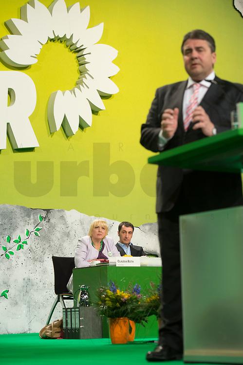 27 APR 2013, BERLIN/GERMANY:<br /> Claudia Roth (Hi-L), B90/Gruene Bundesvorsitzende, und Cem Oezdemir (Hi-M), B90/Gruene Bundesvorsitzender, waehrend der Rede von Sigmar Gabriel (R), SPD Parteivorsitzender, Bundesdelegiertenkonferenz Buendnis 90 / Die Gruenen, Velodrom<br /> IMAGE: 20130427-01-116<br /> KEYWORDS: Parteitag, Bundesparteitag, BDK, party congress, Bündnis 90 / Die Grünen, B90/Gruene, B90/Grüne, cem Özdemir
