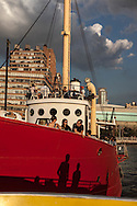 """New York. On hudson river. Lightship Frying Pan  the ultimate """"dive"""" bar, Built in 1929, this historic lightship (one of the few remaining) is said to have spent three years at the bottom of the Chesapeake Bay before being salvaged and brought to Chelsea Piers to become the ultimate """"dive"""" bar. transformed in a bar and restaurant docked along the hudson river  / le frying pan, ancien bateau de lutte contre l'incendie , transforme en bar restaurant a la mode.  Manhattan - Etats-unis"""