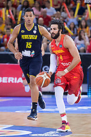 Spain's Ricky Rubio and Venezuela's Windi Graterol during friendly match for the preparation for Eurobasket 2017 between Spain and Venezuela at Madrid Arena in Madrid, Spain August 15, 2017. (ALTERPHOTOS/Borja B.Hojas)