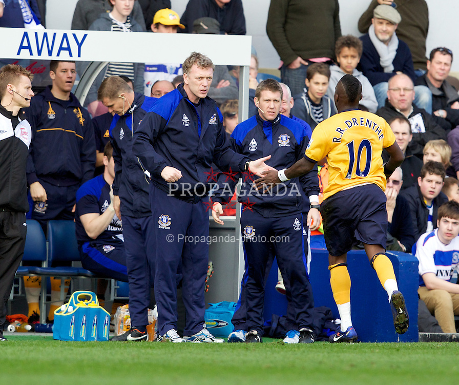 LONDON, ENGLAND - Saturday, March 3, 2012: Everton's Royston Drenthe celebrates scoring the first goal against Queens Park Rangers with manager David Moyes during the Premiership match at Loftus Road. (Pic by Vegard Grott/Propaganda)