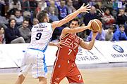 DESCRIZIONE : Milano Lega A 2014-15  EA7 Emporio Armani Milano vs Vagoli Basket Cremona<br /> GIOCATORE : Bruno Cerella<br /> CATEGORIA : Passaggio Equilibrio<br /> SQUADRA : EA7 Emporio Armani Milano<br /> EVENTO : Campionato Lega A 2014-2015<br /> GARA : EA7 Emporio Armani Milano vs Vagoli Basket Cremona<br /> DATA : 25/01/2015<br /> SPORT : Pallacanestro <br /> AUTORE : Agenzia Ciamillo-Castoria/I.Mancini<br /> Galleria : Lega Basket A 2014-2015  <br /> Fotonotizia : Cant&ugrave; Lega A 2014-2015 Pallacanestro : EA7 Emporio Armani Milano vs Vagoli Basket Cremona<br /> Predefinita :