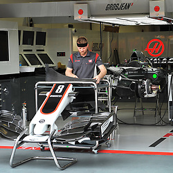 Romain Grosjean's Haas F1 car being prepared.<br /> Day 1 of the 2017 Formula 1 Singapore airlines, Singapore Grand Prix, held at The Marina Bay street circuit, Singapore on the 14th September 2017.<br /> Wayne Neal | SportPix.org.uk
