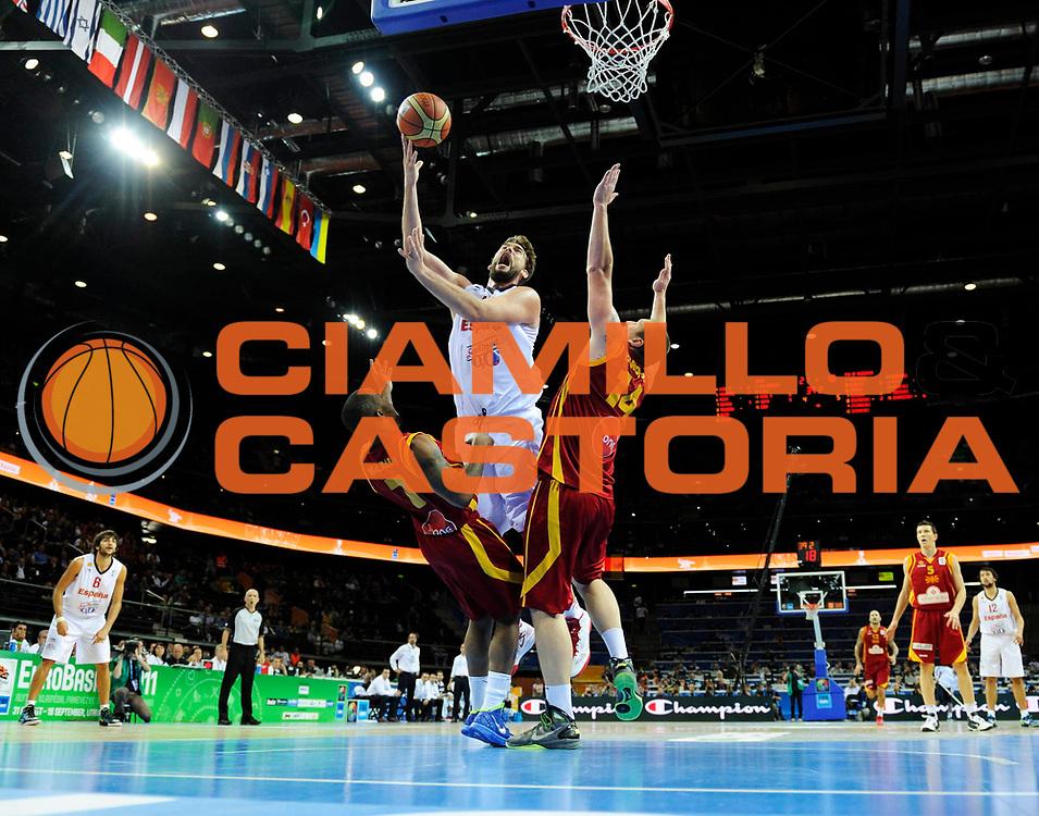 DESCRIZIONE : Kaunas Lithuania Lituania Eurobasket Men 2011 Semifinali Semi Final Round Spagna Macedonia Spain F.Y.R. of Macedonia<br /> GIOCATORE : Marc Gasol<br /> SQUADRA : Spagna Spain<br /> EVENTO : Eurobasket Men 2011<br /> GARA : Spagna Macedonia Spain F.Y.R. of Macedonia<br /> DATA : 16/09/2011 <br /> CATEGORIA : tiro shot<br /> SPORT : Pallacanestro <br /> AUTORE : Agenzia Ciamillo-Castoria/JF.Molliere<br /> Galleria : Eurobasket Men 2011 <br /> Fotonotizia : Kaunas Lithuania Lituania Eurobasket Men 2011 Semifinali Semi Final Round Spagna Macedonia Spain F.Y.R. of Macedonia<br /> Predefinita :