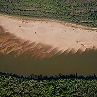 Vista aerea do Rio Javaes e Ilha do Bananal, Parque Nacional do Araguaia, , Tocantins, Brasil, foto de Ze Paiva, Vista Imagens.