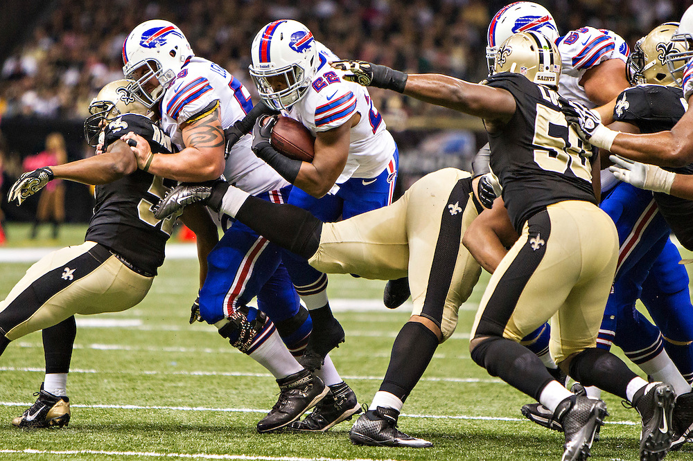 NEW ORLEANS, LA - OCTOBER 27:  Fred Jackson #22 of the Buffalo Bills runs the ball against the New Orleans Saints at Mercedes-Benz Superdome on October 27, 2013 in New Orleans, Louisiana.  The Saints defeated the Bills 35-14.  (Photo by Wesley Hitt/Getty Images) *** Local Caption *** Fred Jackson