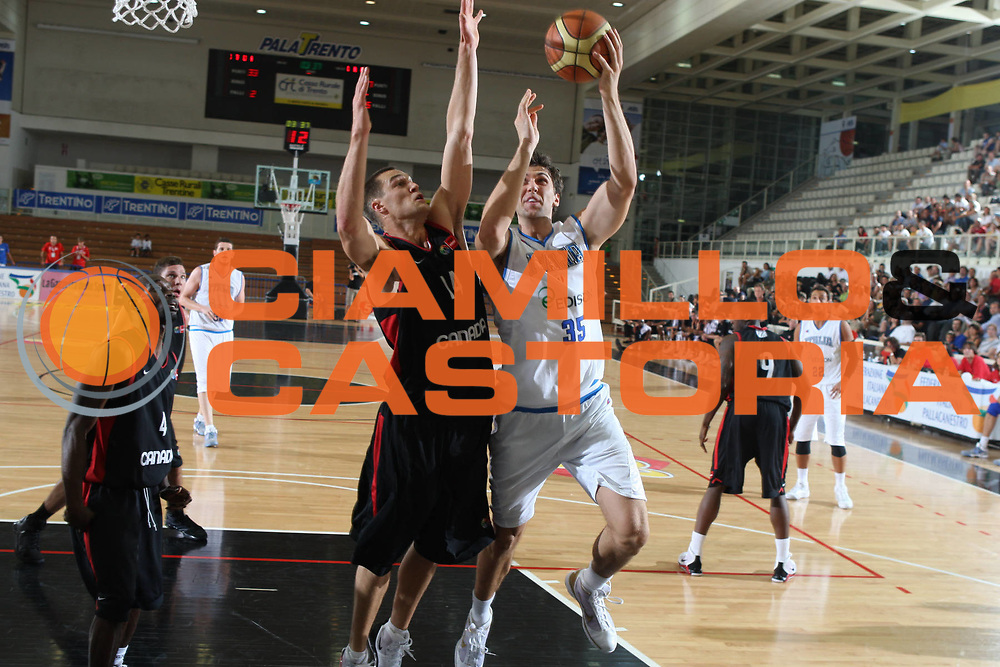 DESCRIZIONE : Trento Torneo Internazionale Maschile Trentino Cup Italia Canada Italy Canada<br /> GIOCATORE : Andrea Bargnani<br /> SQUADRA : Italia Italy<br /> EVENTO : Raduno Collegiale Nazionale Maschile <br /> GARA : Italia Canada Italy Canada<br /> DATA : 25/07/2009 <br /> CATEGORIA : tiro<br /> SPORT : Pallacanestro <br /> AUTORE : Agenzia Ciamillo-Castoria/E.Castoria<br /> Galleria : Fip Nazionali 2009 <br /> Fotonotizia : Trento Torneo Internazionale Maschile Trentino Cup Italia Canada Italy Canada<br /> Predefinita :