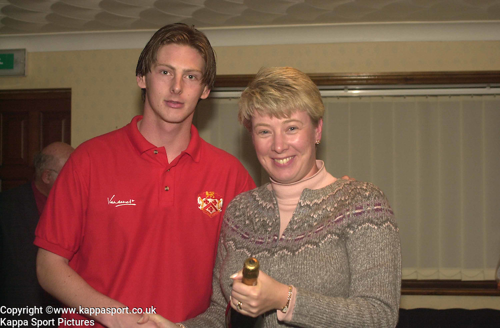 STEVE LENAUGH, KETTERING TOWN, RECIEVES MOM AWARD FROM SPONSER, Kettering Town v Northwich Victoria, Rockingham Road, 11th November 2000