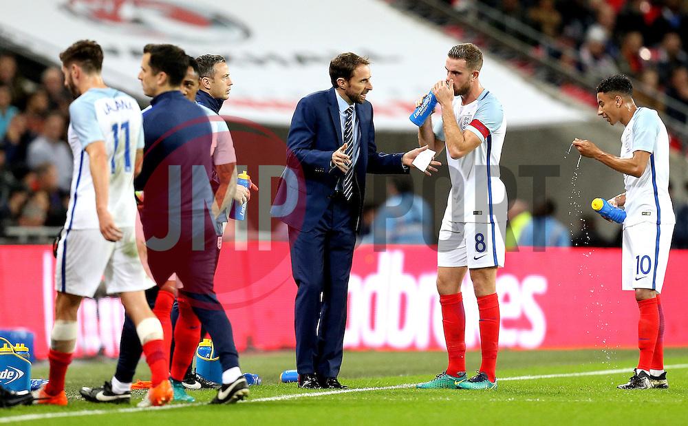 Interim England Manager Gareth Southgate gets instructions out to his players - Mandatory by-line: Robbie Stephenson/JMP - 15/11/2016 - FOOTBALL - Wembley Stadium - London, United Kingdom - England v Spain - International Friendly