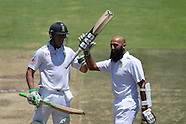 Cricket - South Africa v England 2015 2nd Test D3 Cape Town