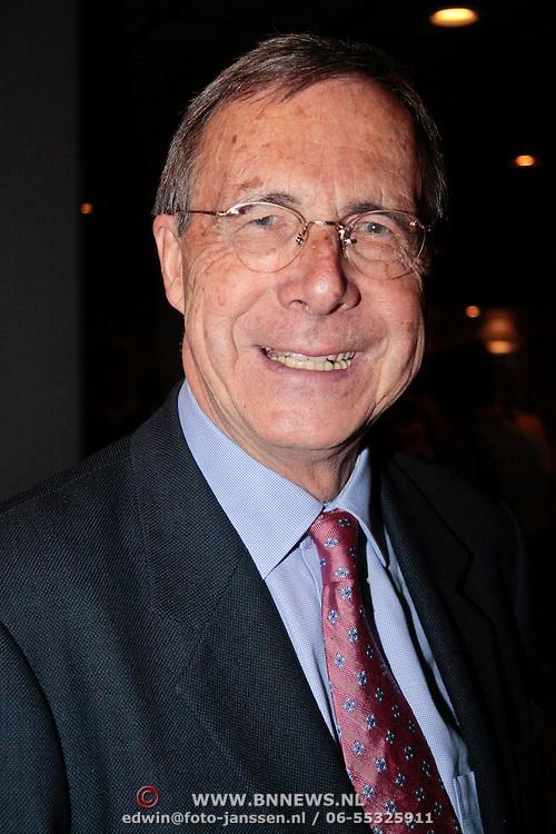 NLD/Rotterdam/20110202 - Boekpresentatie Mr. Finney door pr. Laurentien, Laurens Jan Brinkhorst
