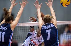 20-05-2016 JAP: OKT Italie - Nederland, Tokio<br /> De Nederlandse volleybalsters hebben een klinkende 3-0 overwinning geboekt op Italië, dat bij het OKT in Japan nog ongeslagen was. Het met veel zelfvertrouwen spelende Oranje zegevierde met 25-21, 25-21 en 25-14 / Paola Ogechi Egonu #18 of Italie