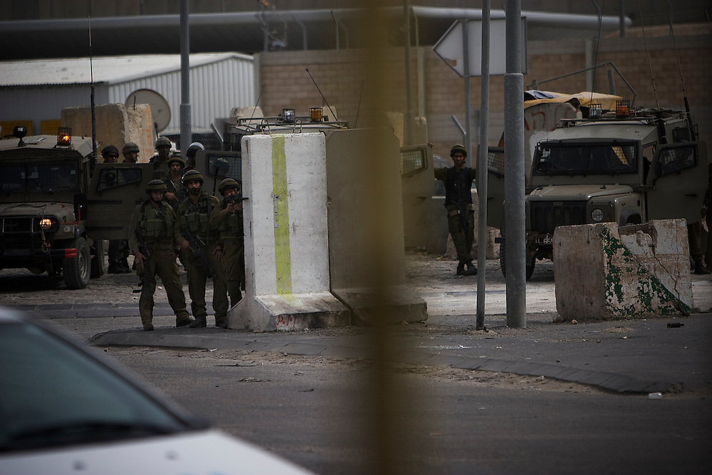 Israeli soldiers at Qualindia checkpoint near Jerusalem on the 60th anniversary of Al Nakba. 15th May 2008