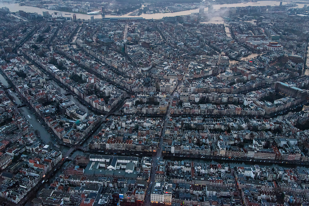 Nederland, Noord-Holland, Amsterdam, 16-01-2014;<br /> Overzicht Amsterdam grachtengordel, centrum, Noord en het IJ (boven in beeld). Rechts middenboven Oosterdokseiland.<br /> Overview Amsterdam: ring of canals, center, North and IJ (water, top picture).<br /> luchtfoto (toeslag op standard tarieven);<br /> aerial photo (additional fee required);<br /> copyright foto/photo Siebe Swart