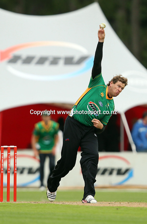 Jacon Oram in action for the Stags.<br /> Twenty20 Cricket - HRV Cup, Otago Volts v Central Stags, 18 December 2011, University Oval, Dunedin, New Zealand.<br /> Photo: Rob Jefferies/PHOTOSPORT