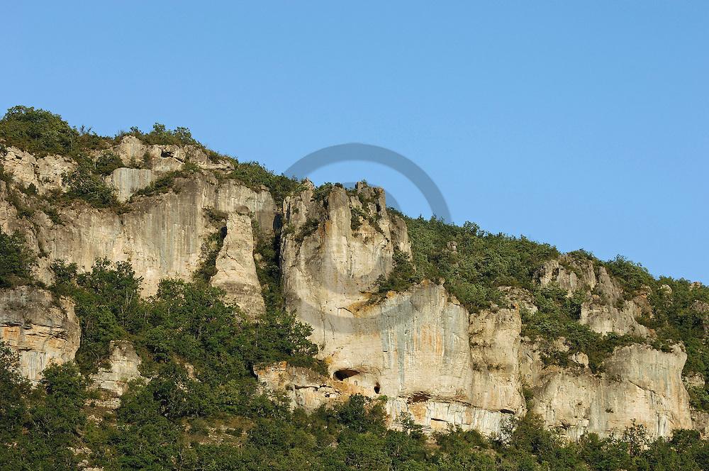 18/09/06 - VALLEE DE LA DOURBIE - AVEYRON - FRANCE - Vallee de la Dourbie, entre Cevennes et Causse - Photo Jerome CHABANNE