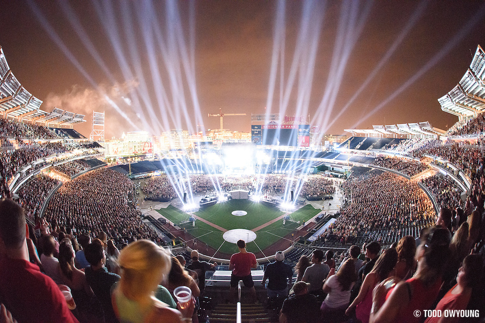 Jason Aldean performing at Nationals Park in Washington, D.C. on July 27, 2014 on the Burn It Down Tour.
