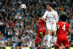 23.04.2014, Estadio Santiago Bernabeu, Madrid, ESP, UEFA CL, Real Madrid vs FC Bayern Muenchen, Halbfinale, Hinspiel, im Bild Real Madrid's Cristiano Ronaldo and FC Bayern Munchen´s Dante and Alaba // Real Madrid's Cristiano Ronaldo and FC Bayern Munchen´s Dante and Alaba during the UEFA Champions League Round of 4, 1st Leg Match between Real Madrid vs FC Bayern Munich at the Estadio Santiago Bernabeu in Madrid, Spain on 2014/04/23. EXPA Pictures © 2014, PhotoCredit: EXPA/ Alterphotos/ Caro Marin<br /> <br /> *****ATTENTION - OUT of ESP, SUI*****