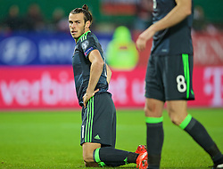 VIENNA, AUSTRIA - Thursday, October 6, 2016: Wales' Gareth Bale looks dejected after missing a chance against Austria during the 2018 FIFA World Cup Qualifying Group D match at the Ernst-Happel-Stadion. (Pic by David Rawcliffe/Propaganda)