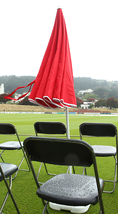 Rain delays play.during the 2012/2013 HRV Cup Twenty20 session. Wellington Firebirds v Central Stags at the Basin Reserve, Wellington, New Zealand on Wednesday 26 December 2012. Photo: Justin Arthur / photosport.co.nz