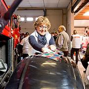 NLD/Den Dolder/20160312 - Nederlandse Koninklijke Familie doet mee aan NLDoet 2016, Pr. Margriet