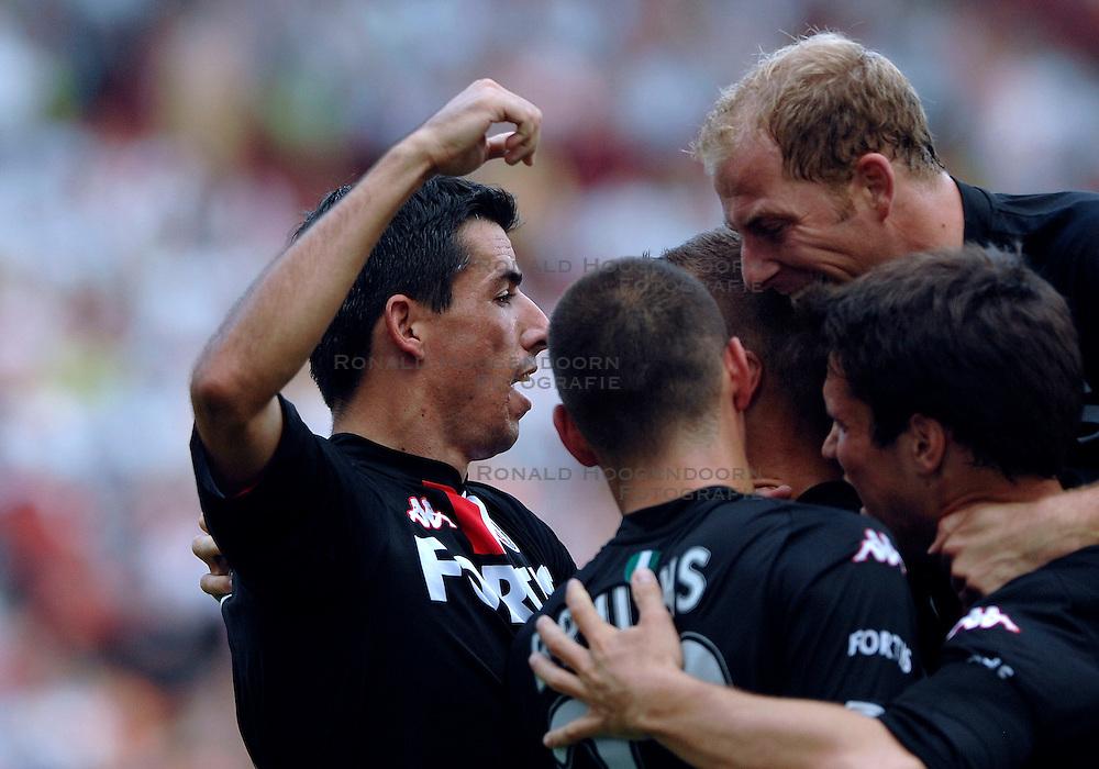 19-08-2007 VOETBAL: UTRECHT - FEYENOORD: UTRECHT<br /> Feyenoord wint met 3-0 in de Galgenwaard / Roy Makaay scoort de 3-0<br /> &copy;2007-WWW.FOTOHOOGENDOORN.NL