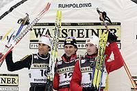 Kombinert , Bildnummer: 01869566  Datum: 03.01.2006  <br /> Siegerehrung des Weltcups 2005/2006 in Ruhpolding: Sieger Felix Gottwald (Österreich, Mitte), Zweiter Ronny Ackermann (Deutschland, li.) und Dritter Petter Tande (Norwegen); Vdig, quer, Siegerehrung, Podium, Podest, Sieg, Jubel, jubeln, Siegesjubel Weltcup 2005/2006, Welt Cup, Worldcup, World, WC, Ski Nordisch, <br /> Norway only