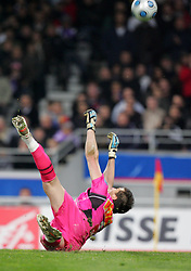 Cédric Carrasso saves a penalty for Toulouse during the 1/4 Final of la Coupe de France, Stade Municipal, Toulouse, France, 18th March 2009.