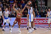 DESCRIZIONE : Campionato 2015/16 Serie A Beko Dinamo Banco di Sardegna Sassari - Umana Reyer Venezia<br /> GIOCATORE : Christian Eyenga<br /> CATEGORIA : Tiro Tre Punti Three Point Controcampo Ritardo<br /> SQUADRA : Dinamo Banco di Sardegna Sassari<br /> EVENTO : LegaBasket Serie A Beko 2015/2016<br /> GARA : Dinamo Banco di Sardegna Sassari - Umana Reyer Venezia<br /> DATA : 01/11/2015<br /> SPORT : Pallacanestro <br /> AUTORE : Agenzia Ciamillo-Castoria/L.Canu